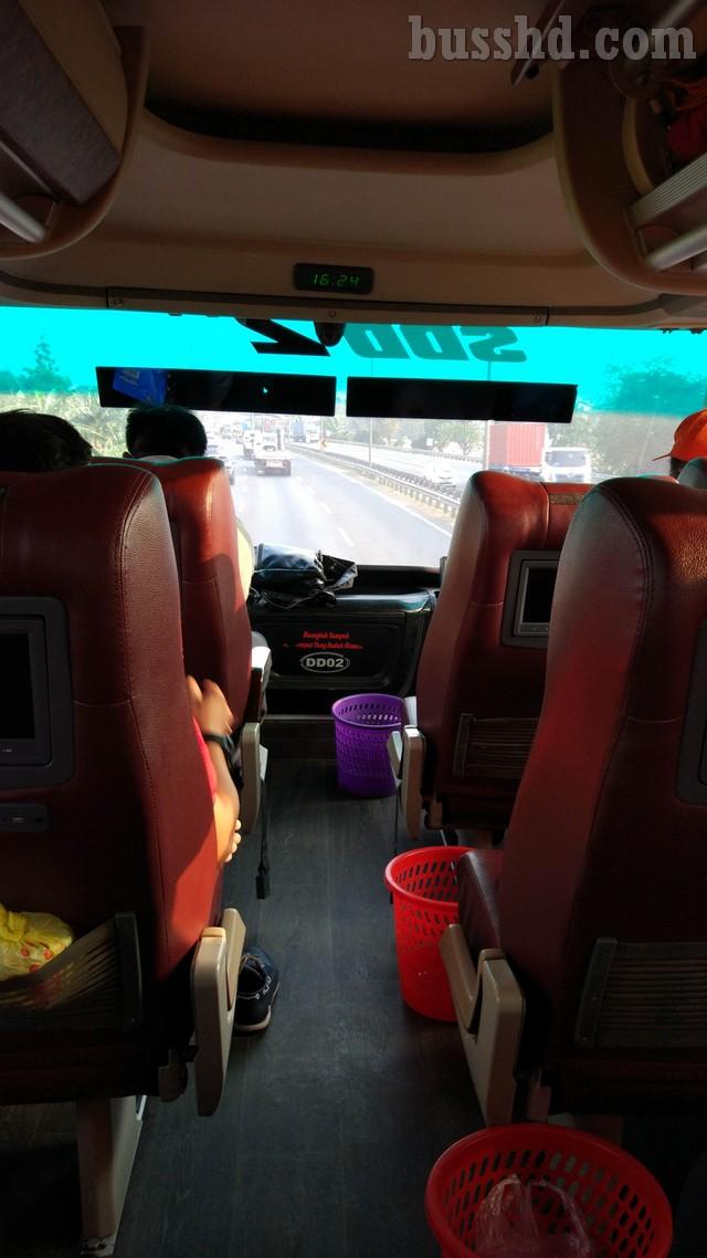 Pemandangan Dari Atas Bus Double Decker Putera Mulya