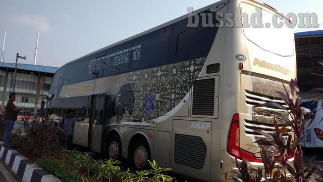 Tampak Kiri Bus Double Decker Putera Mulya